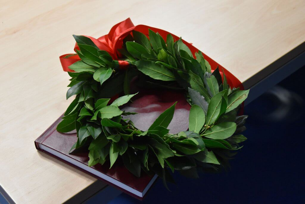 A graduating student's Laurel Wreath